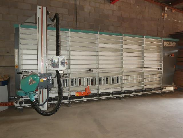 VERTICAL PANEL SAW (AUTOMATIC)