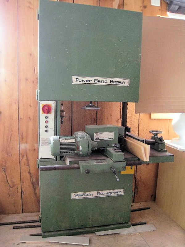 BAND SAW (VERTICAL RESAW)