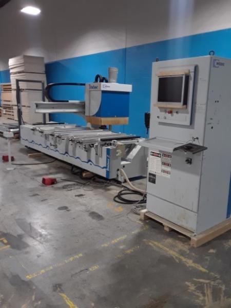 CNC MACHINING CENTER (W/ATC/BORING)