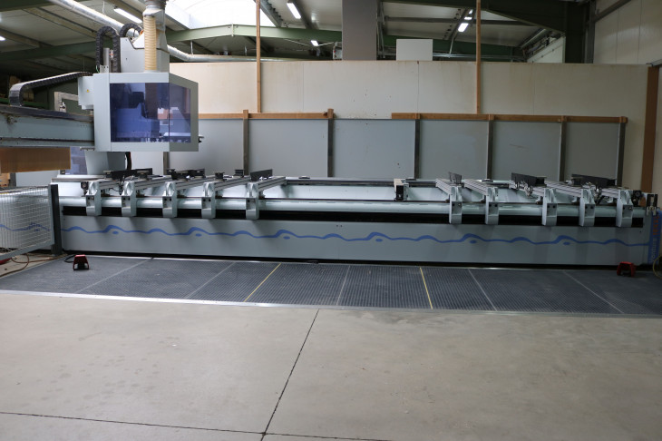 CNC MACHINING CENTER (5-AXIS POSITIONING)
