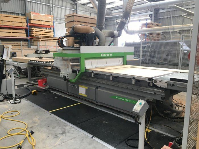 FLAT TABLE MACHINE (W/LOADING, UNLOADING)