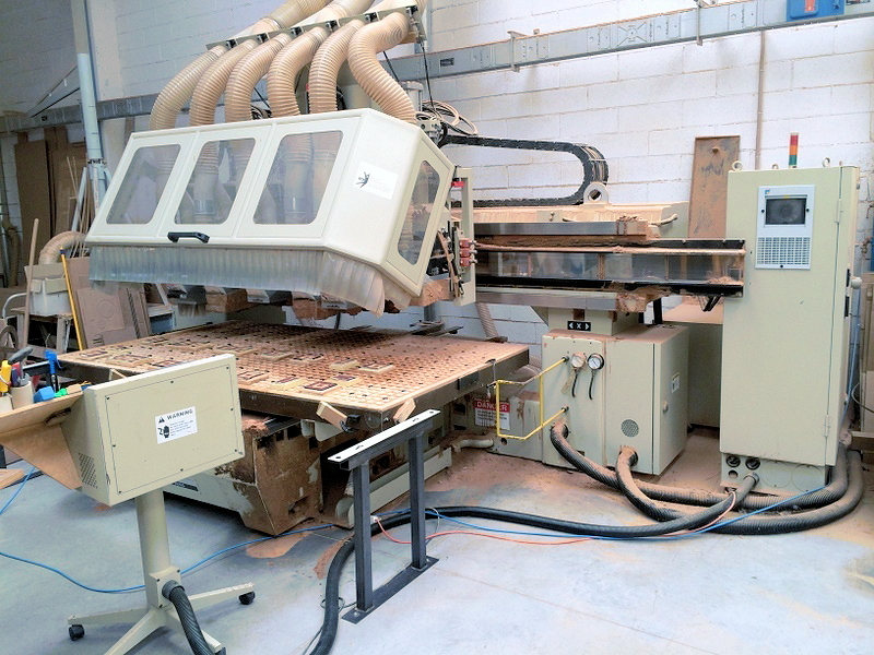 CNC ROUTER (MULTIPLE SPINDLE)