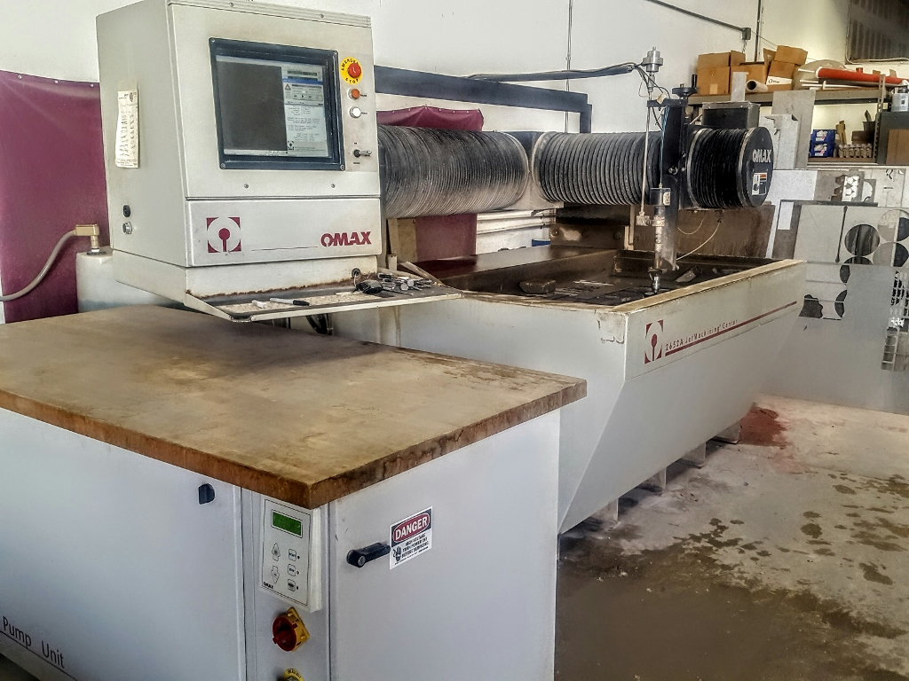 Used OMAX 2652A WATERJET (CNC)